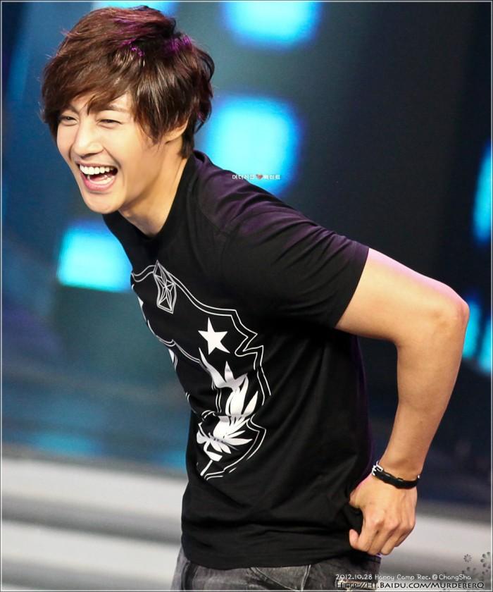 Kim Hyun Joong فى برنامج Happy Camp 3c6d55fbb2fb4316109cf58f20a4462308f7d340