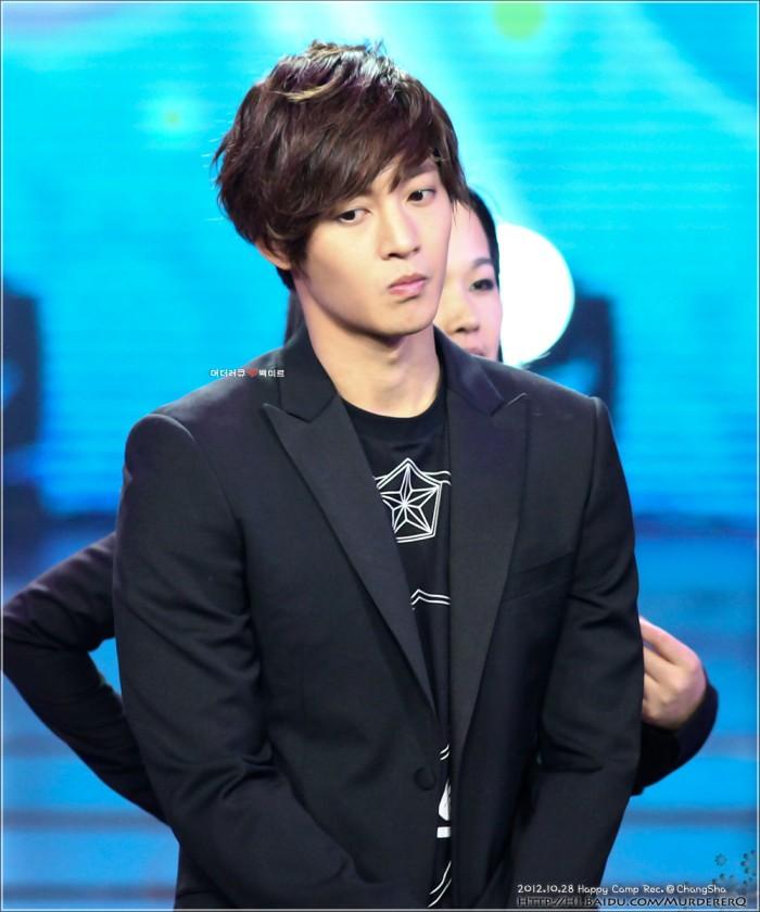 Kim Hyun Joong فى برنامج Happy Camp B64543a98226cffc58693047b9014a90f703ea80